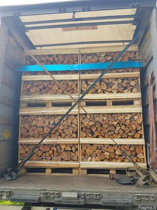 Alxa wood on pallets