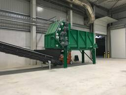 The processing line of biowaste in compost material